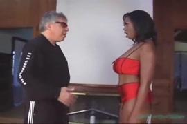 Porno africain il baise une fille a l ecole