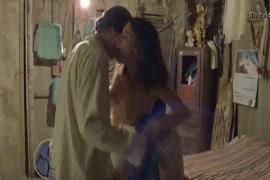 Video sexe. chien avec femme